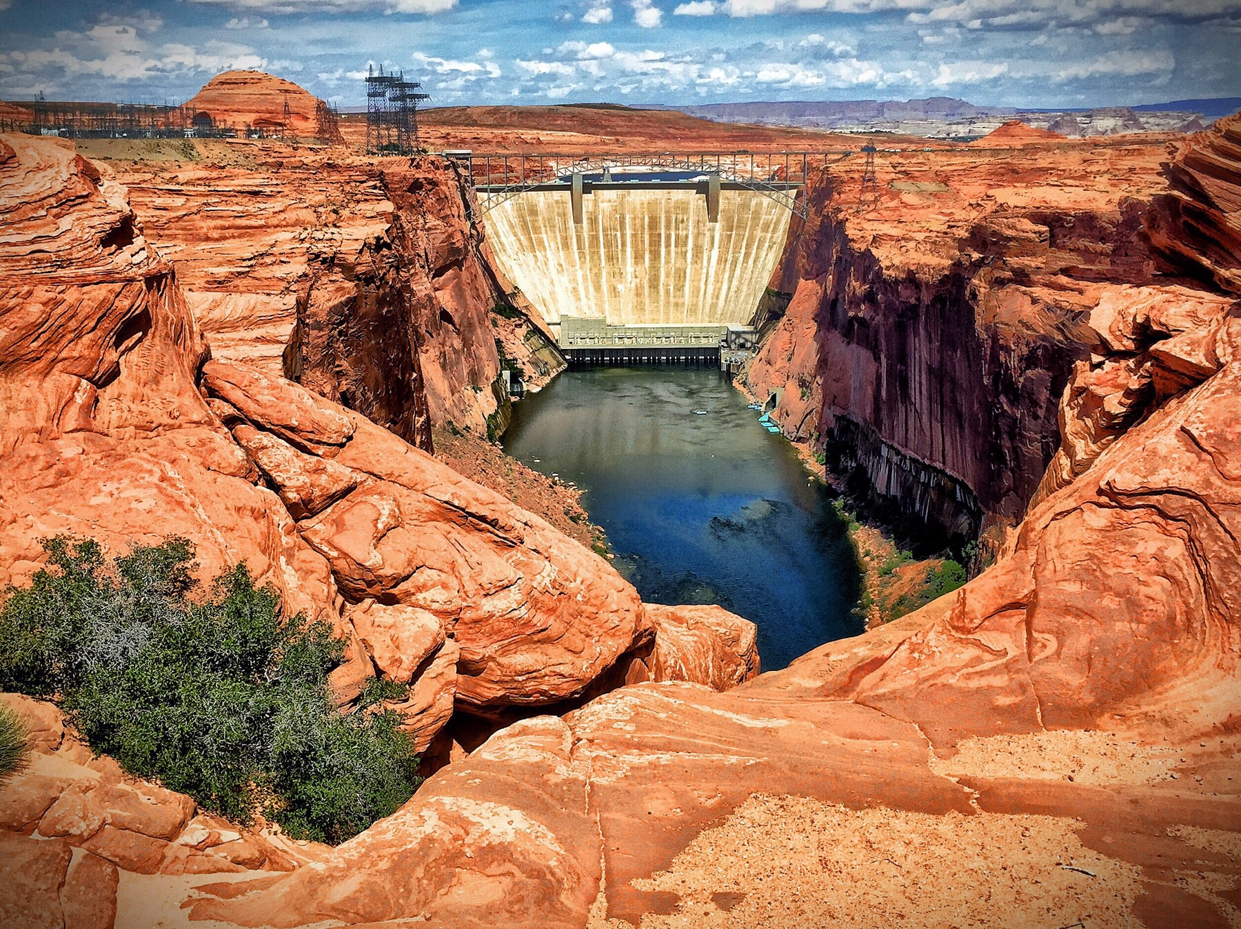 Clunkmonkey visits the Glen Canyon Dam